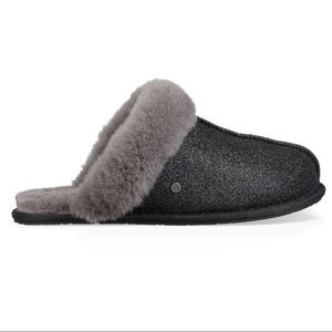New UGG Scuffette II Sparkle Slippers, Black, 7